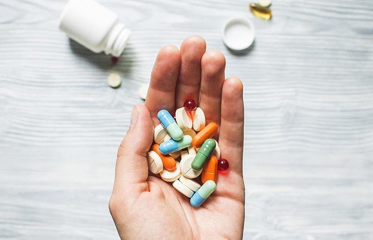 Các loại thuốc trị mất ngủ như thuốc an thần, thuốc bình thần... là thuốc kê đơn cần sử dụng theo chỉ định của bác sĩ