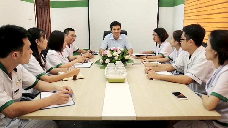 Buổi họp chuyên môn giữa đội ngũ bác sĩ Đông phương Y pháp và Thuốc dân tộc