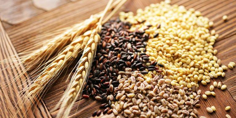 Ngũ cốc nguyên hạt chứa nhiều vitamin và magie, rất tốt cho não bộ và hệ thần kinh