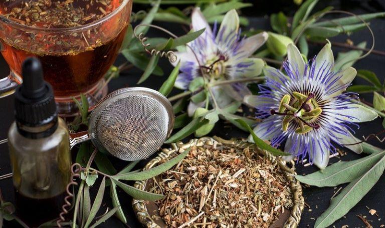 Uống trà lạc tiên mỗi ngày là biện pháp đơn giản để cải thiện chứng mất ngủ