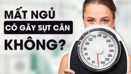 Nhiều người lo lắng mất ngủ có gây sụt cân không?