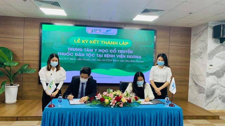 Buổi lễ ký kết thành lập Trung tâm Đông phương Y pháp (Thuốc dân tộc) tại Hệ thống Bệnh viện gia đình Favina