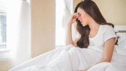 Ngủ dậy bị đau đầu là tình trạng khá phổ biến hiện nay