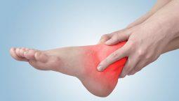 Xoa bóp, bấm huyệt chữa đau khớp cổ chân là hướng điều trị không dùng thuốc hiệu quả