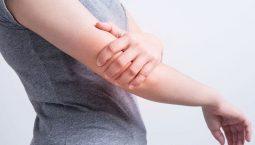 Đau nhức tay do rất nhiều nguyên nhân gây nên