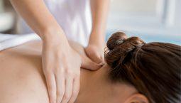 Xoa bóp, bấm huyệt trị đau vai gáy nhận được nhiều phản hồi tích cực từ người bệnh