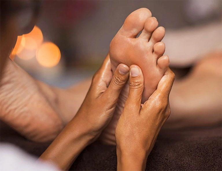 Bấm huyệt thường xuyên và đúng cách giúp giảm nhanh các triệu chứng bệnh lý