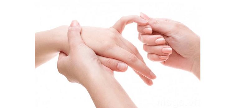 Châm cứu, xoa bóp bấm huyệt là phương pháp điều trị của Y học truyền thống dân tộc